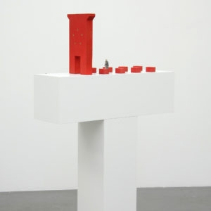 Rotes Tor, 1975, Wood, plastic, 40 x 20 x 72 cm, pedestal in two units: 105 x 30 x 30 cm, Ed. 1/5
