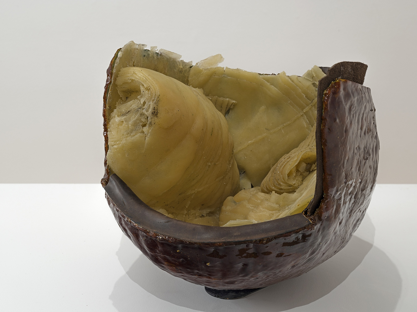 Honey pot, 2016, Resin, pine resin, leather, 41 x 37 x 45 cm