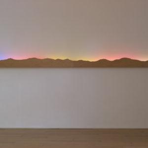 Aurora, 2016, Wood, neon 25 x 485 x 13,6 cm
