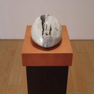 Eierkopf voll, 2014, Glazed ceramic 17,5 x 31,5 x 23 cm Pedestal: 111,5 x 45 x 35 cm