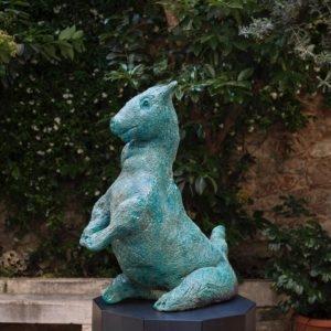 Hund, 2015, Glazed ceramic 87 x 62,4 x 65,1 cm Pedestal: 100 x 62,4 x 65,1 cm